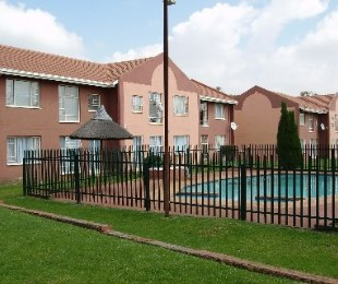 R 480,000 - 2 Bed Property For Sale in Allan Manor