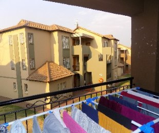 R 690,000 - 2 Bed Flat For Sale in Meredale