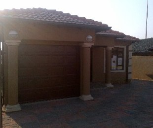 R 780,000 - 3 Bed Property For Sale in Soweto