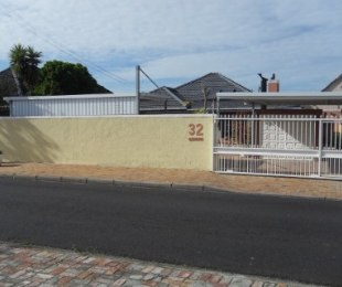 R 2,095,000 - 3 Bed House For Sale in Plumstead