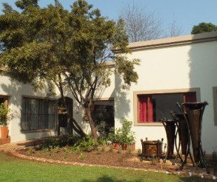 R 2,250,000 - 4 Bed House For Sale in Wierda Park
