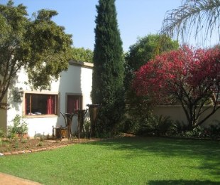 R 2,250,000 - 5 Bed House For Sale in Wierda Park
