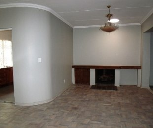 R 4,100,000 - 3 Bed Property For Sale in Waterkloof