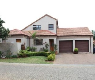 R 1,998,000 - 3 Bed House For Sale in Glen Marais