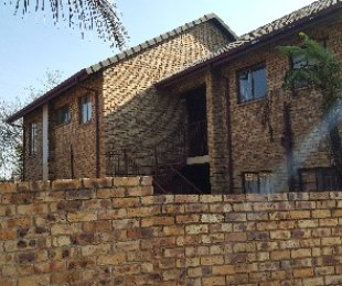 R 795,000 - 3 Bed Property For Sale in Zwartkop