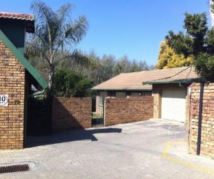 R 8,500 - 3 Bed House To Let in Garsfontein