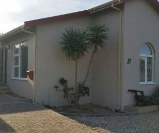 R 2,495,000 - 5 Bed House For Sale in Brackenfell