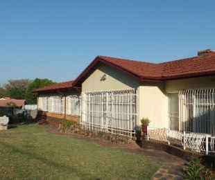 R 1,550,000 - 4 Bed House For Sale in Valhalla