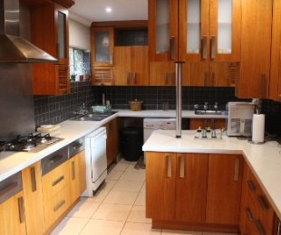 R 2,000,000 - 3 Bed House For Sale in Wierda Park