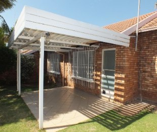 R 670,000 - 2 Bed Property For Sale in Garsfontein