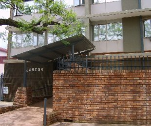 R 4,000 - 2 Bed Flat To Rent in Pretoria North
