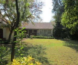 R 1,700,000 - 4 Bed House For Sale in Nimrod Park