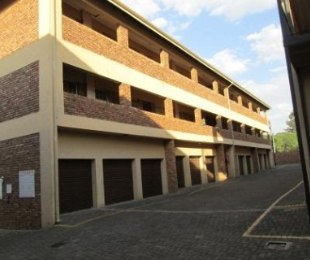 R 545,000 - 2 Bed Property For Sale in Nimrod Park