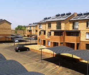 R 5,500 - 2 Bed Apartment To Let in Olympus