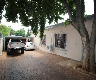 R 1,386,000 - 4 Bed House For Sale in Capital Park