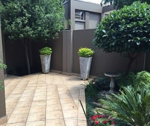 R 1,312,000 - 3 Bed Property For Sale in Lakefield