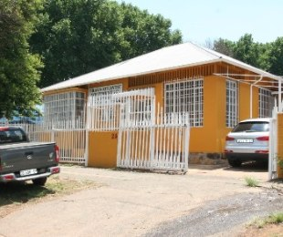 R 690,000 -  Commercial Property For Sale in Malvern