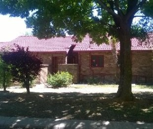 R 750,000 - 3 Bed Home For Sale in Crystal Park