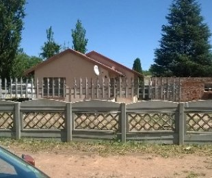 R 540,000 - 3 Bed House For Sale in Crystal Park