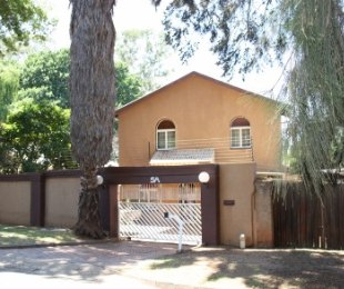 R 1,100,000 - 3 Bed Property For Sale in Maraisburg