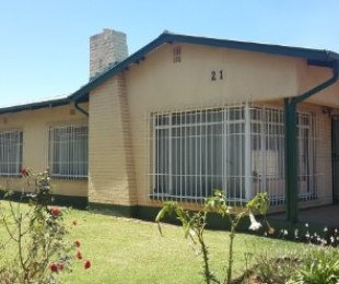 R 1,125,000 - 3 Bed House For Sale in Northmead