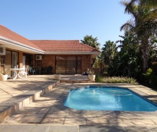 R 3,600,000 - 6 Bed House For Sale in Vredekloof Heights