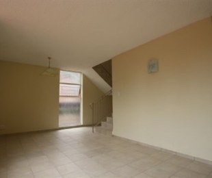 R 4,250 - 1 Bed Apartment To Rent in Windsor East