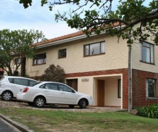 P.O.A - 2 Bed Guest House To Rent in Park Rynie