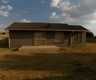 R 4,000 - 2 Bed Property To Rent in Dawn Park