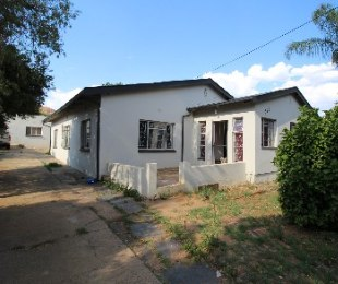 R 990,000 - 4 Bed Property For Sale in Mountain View