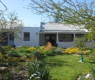 R 1,550,000 - 2 Bed House For Sale in Stanford
