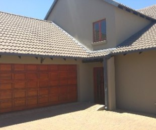 R 2,700,000 - 5 Bed Home For Sale in Centurion