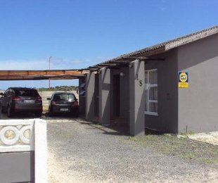 R 810,000 - 3 Bed House For Sale in Strandfontein