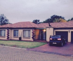 R 865,000 - 3 Bed Property For Sale in The Orchards