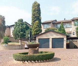 R 1,250,000 - 4 Bed Property For Sale in Corlett Gardens