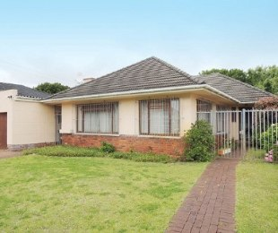 R 1,600,000 - 2 Bed Home For Sale in Plumstead