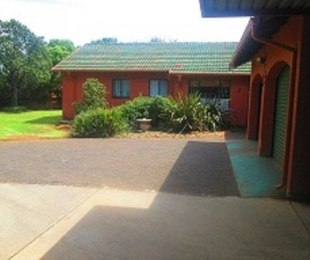 R 999,000 - 3 Bed Property For Sale in Crystal Park