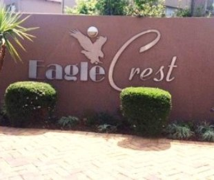 R 16,000 - 3 Bed Property To Let in Eagle Canyon Golf Estate
