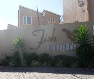 R 2,575,000 - 3 Bed Property For Sale in Eagle Canyon Golf Estate