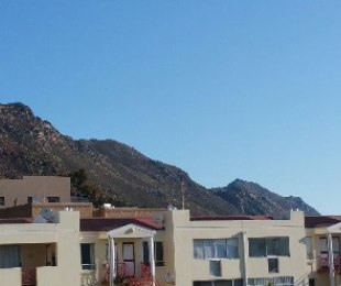 R 800 - 2 Bed Flat To Let in Gordon's Bay