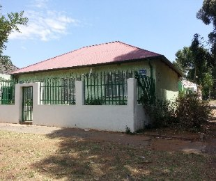 R 780,000 - 2 Bed Home For Sale in Turffontein