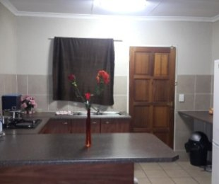 R 630,000 - 2 Bed Property For Sale in Heuwelsig
