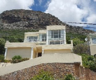 R 4,300,000 - 3 Bed House For Sale in Fish Hoek