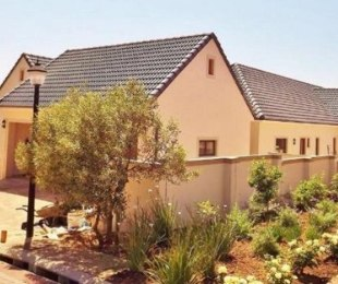 R 4,850,000 - 4 Bed Home For Sale in Vierlanden