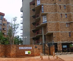 R 545,000 - 3 Bed Flat For Sale in Pretoria North