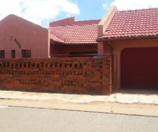 R 750,000 - 3 Bed Property For Sale in Protea North