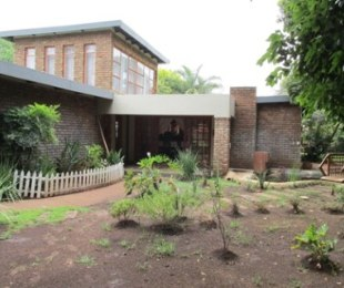 R 1,950,000 - 4 Bed Property For Sale in Wierda Park