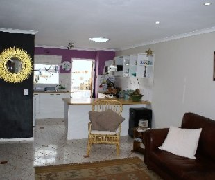 R 8,000 - 1 Bed Property To Rent in Simon's Town