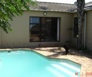 R 2,295,000 - 3 Bed Property For Sale in Edgemead