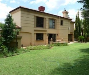 R 3,975,000 - 4 Bed House For Sale in Hartbeespoort